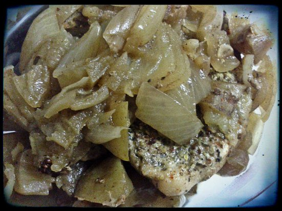 Crock Pot Pork Chop with Apples and Onions
